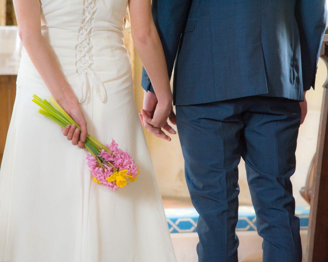 alternative wedding photography, simplistic wedding bouquet
